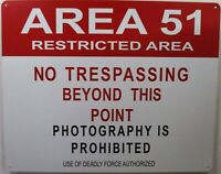 original Wisconsin Shooting Preserve No Trespassing sign Vintage Tin 1960/'s Lg