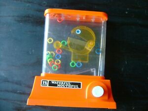 vtg Tomy Waterful Mouthful 1976 Ring Toss Game  Hong Kong , includes 2 plugs