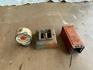 Lionel Standard Gauge - 87 Flashing Crossing Signal Parts Item