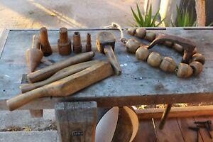 10 outils anciens de plombier zingueur  en buis