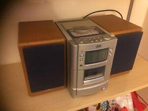 STEREO COMPATTO JVC mod. SP-UXT55 CON CASSE DA 20 WATTS OGNUNA LETTORE CD RADIO