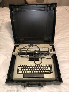 Vintage Olivetti Lexikon Typewriter Lexicon 82 Electric With Case