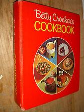 Betty Crocker's Cookbook Red Pie HC 5 Ring Binder 1973