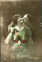 Lovers valentine courting couple postcard hand coloured antique Le Baiser 212