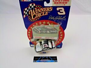 Dale Earnhardt #3 1994 GM Goodwrench Chevrolet Lumina 1/64 Scale Diecast W/ Card