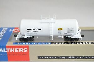 HO scale Walthers PROCOR UTLX 16,000 gallon funnel flow ACID tank car train