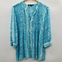 Cynthia Steffe Womens Size Medium Snakeskin Print Button Down Blouse Blue 194