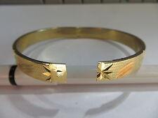 Bracelet superbe avec étoiles gravées – fermeture cran de sécurité – Plaqué or a