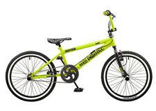 Bicicletas verde de acero