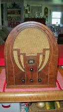 ANTIQUE PHILCO MODEL 60 ?  CATHEDRAL RADIO:SUPERHETERODYNE  1930's ?