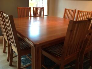 Solid  SA Oregon 8 Seater dining table and chairs