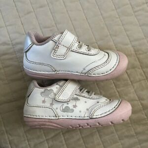 Stride Rite Soft Motion Baby and Toddler Girls Adalyn, White/Silver, Size 4m