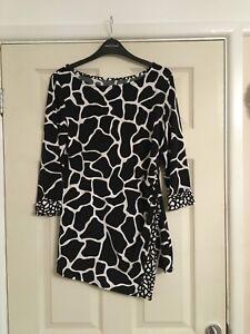 Beautiful Wallis Blouse Size 14 - Giraffe Print
