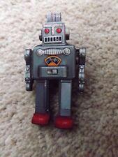 Spilla di robot, Spilla di fatti a mano, ROBOT retrò