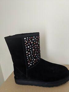 Ugg Australia Womens Classic  Short Stud II Boot  Size 6 NIB