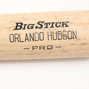 2007 ORLANDO HUDSON GAME USED CRACKED BAT DIAMONDBACKS WITH COA
