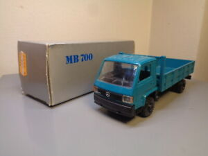 NZG MODELLE GERMANY No 397 VINTAGE MERCEDES BENZ 700 TRUCK 1:43 RARE MINT IN BOX