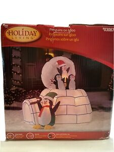 Animated Christmas Penguin Igloo 5.2'X5' Tall Gemmy Airblown Inflatable Motion