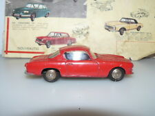 DINKY TOYS  ANCIEN  VOITURE  COUPE ALFA ROMEO   référence 24 J ROUGE