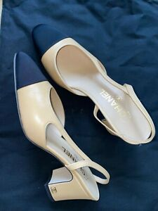 TIMELESS CLASSIC CHANEL Two-Tone Beige Black Sandals slingbacks Shoes Pump 38