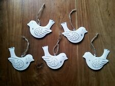 10 X Vintage Chic Birds Doves White Hanging Metal Decorations Christmas 8 X 5cms