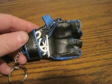 BUD LIGHT UFC ULTIMATE FIGHTING CHAMPIONSHIP GLOVE, KEY CHAIN!   NEW