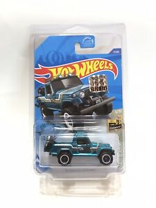 Hot Wheels '67 Jeepster Commando Factory Sealed Super Treasure Hunt w/Protector