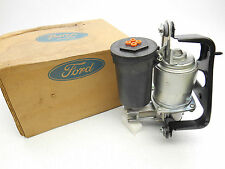New OEM Lincoln Continental Suspension Air Ride Compressor Pump W-Dryer
