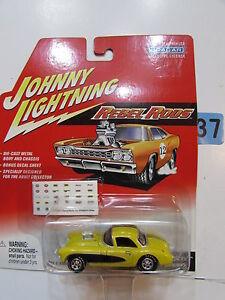 Johnny Lightning Rebel Stangen '57 Corvette Gasser Gelb