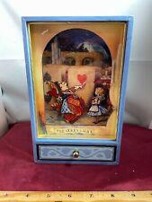 "Vintage Disney Alice In Wonderland & Queen ""My Way"" Moving Music Box Video"