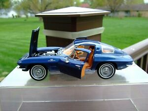 Franklin Mint 1/24th Scale L.E. 1963 Corvette-VERY VERY NICE-