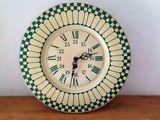 Horloge pendule Tôle VERTE VINTAGE An 50's  Fonctionne très bien  2