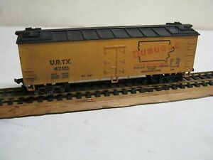 "HO "" DUBUQUE PACKING COMPANY ""  40' WEATHERED REEFER-NICE!"