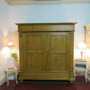 ANTIQUE PINE RUSTIC DOUBLE WARDROBE / LOUNGE ARMOIRE KNOCK DOWN EASY ACCESS 1820