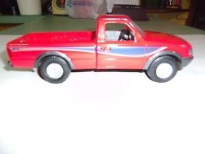 AMT/ERTL '93 Ford Ranger STX Red promo model kit