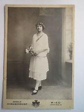 Ried Innkreis - 1923 - stehende junge Frau im Kleid / KAB