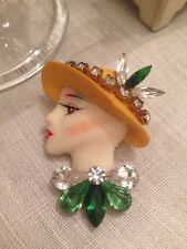 LADY HEAD Woman FACE Porcelain-Look brooch pin Flapper Hat with Vintage RS Glitz