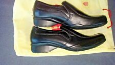 TROTTERS MEN'S #1905 SIZE 40 (7) BLACK LEATHER LOAFERS WITH CARRY BAG
