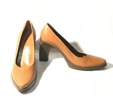 CAMEL SHOES HEELS DESIGN  BY BCBG MAXAZRIA  COMFORT SIZE 7 NEW $247