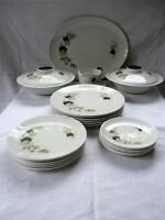 22 PIECE DINNER SERVICE MADE BY ROYAL DOULTON, ENGLAND - WESTWOOD T.C.1025