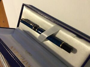 WATERMAN FOUNTAIN PEN BLUE/GREEN MARBLED. AS NEW.