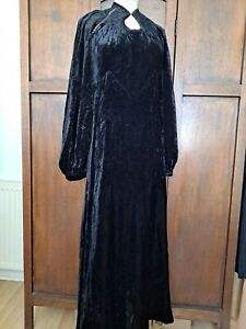 Original 1930s evening dress. Black silk velvet