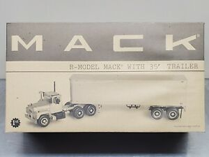 1st Gear Collector's Club 19-0013  Mack R-Model Tractor with 35' Trailer