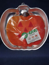 "Wilton ""Pumpkin"" Cake Pan. 10"" Tall. Vintage but never used. Free Shipping."