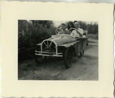 PHOTO ANCIENNE - VINTAGE SNAPSHOT - VOITURE À PÉDALES VOITURETTE MICRO CAR - CAR