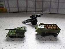 Matchbox - 1-75 - MB54 Personnel Carrier - Khaki / No 70 Green SP Gun Tank