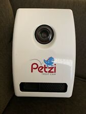 Petzi Treat Cam Wi-Fi Pet Camera Treat Dispenser Excellent Condition