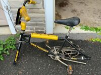 Vintage 1980s 70s Pro Thunder Old School Huffy BMX Racing Bicycle Bike-No Wheels
