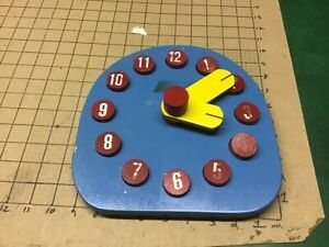 wooden TELL THE TIME CLOCK w Numbers, dots, and 60 min by 5, paint loss