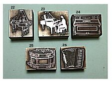 Pianoforte, Pianoforte a Coda, pianista, FISARMONICA, tamburo. i blocchi di stampa.